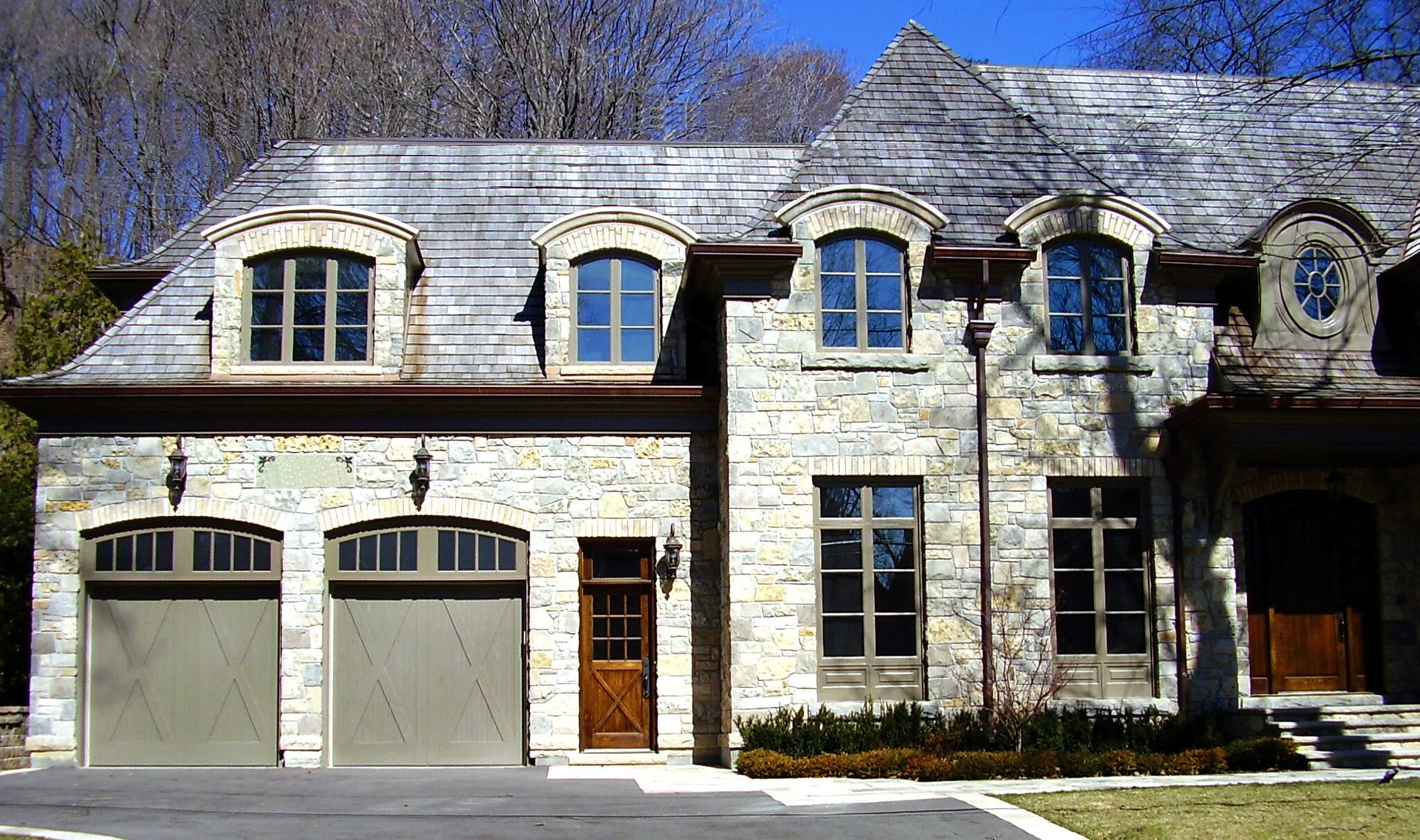Creative-Door-stone-house