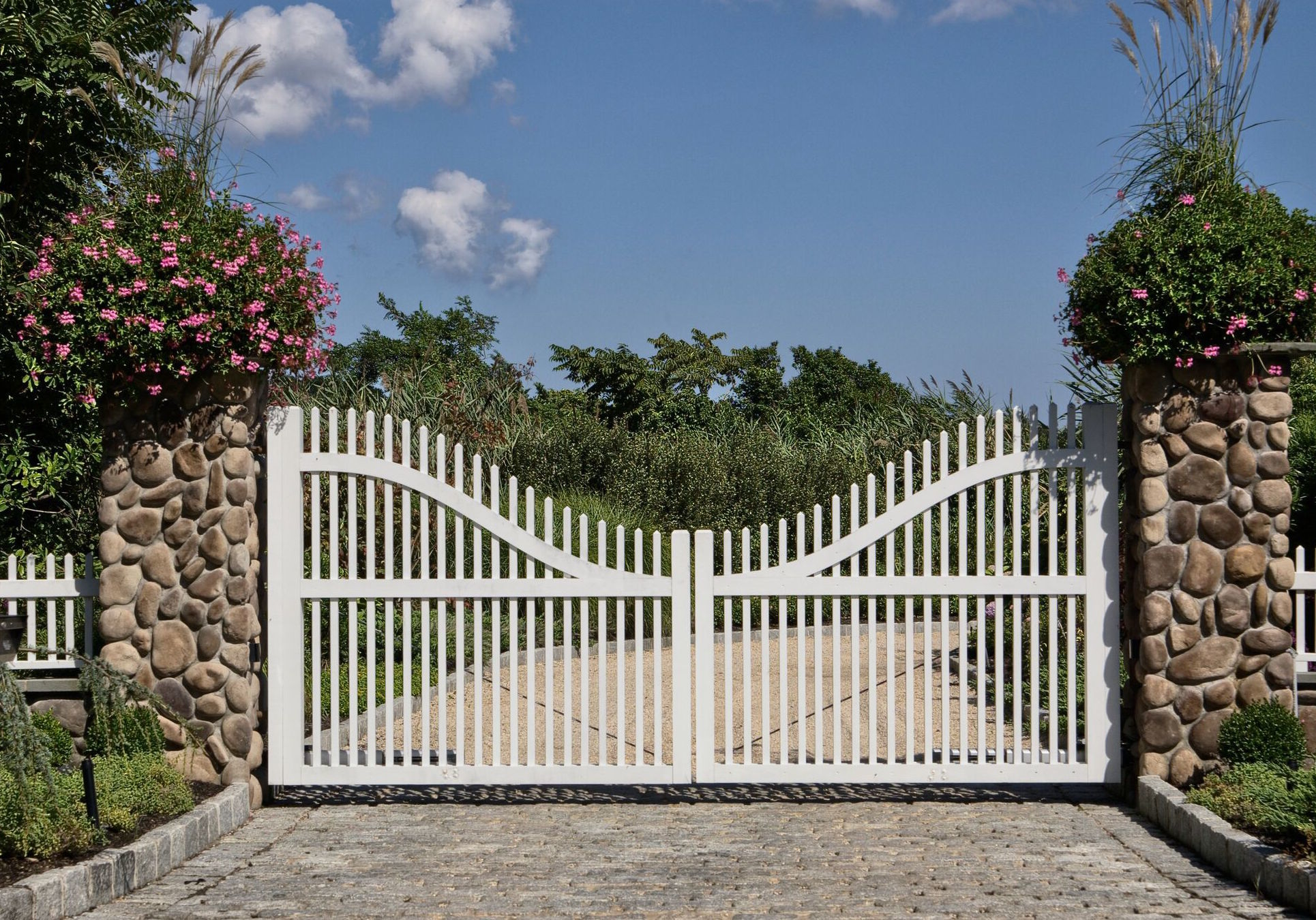 Creative-Door_white-residential-gate