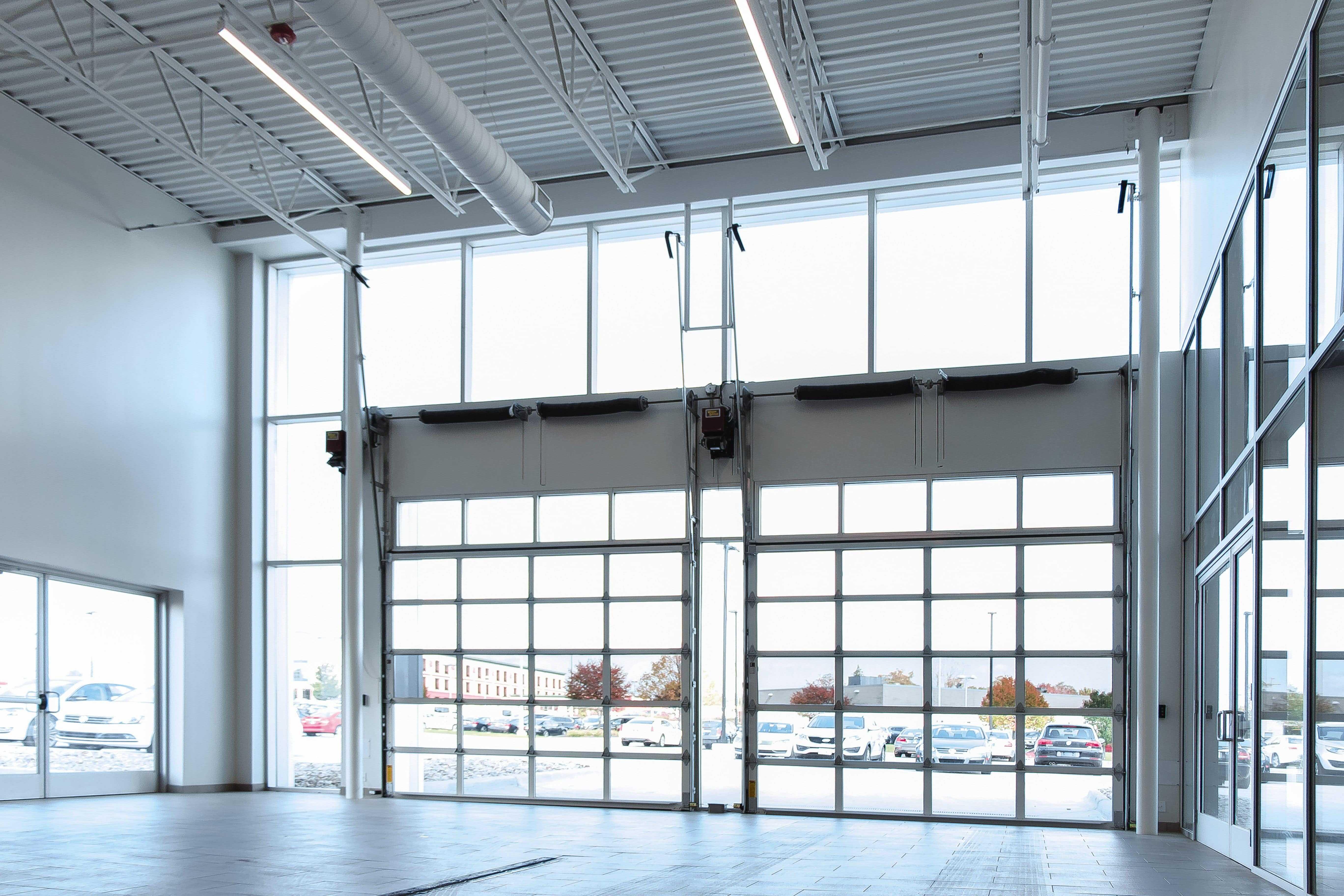 big-bright-overhead-sectional-doors-min.jpeg?mtime=20210419075636#asset:23373