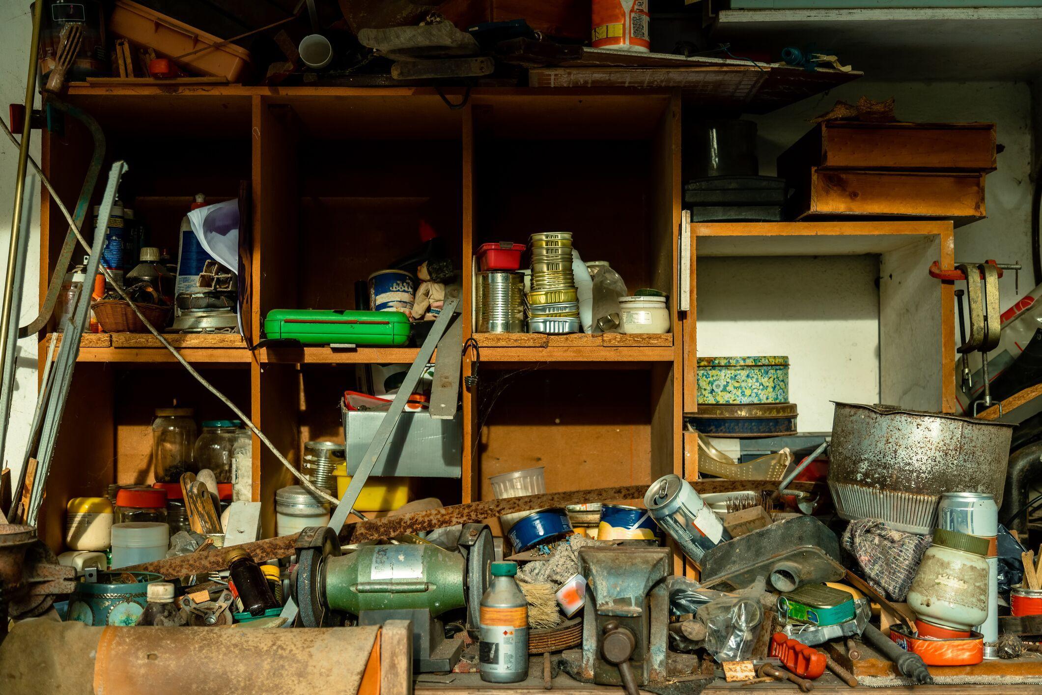 cluttered-garage-storage.jpeg?mtime=20200306090143#asset:16693