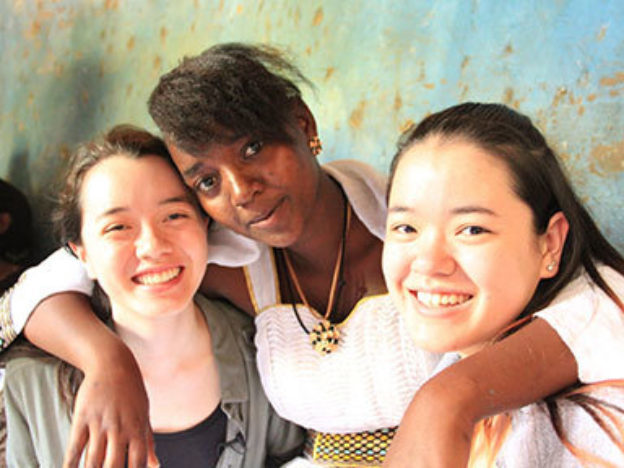 Isabel (left) and her sister, Vanessa (right) hours before the much-anticipated meeting with Kidist