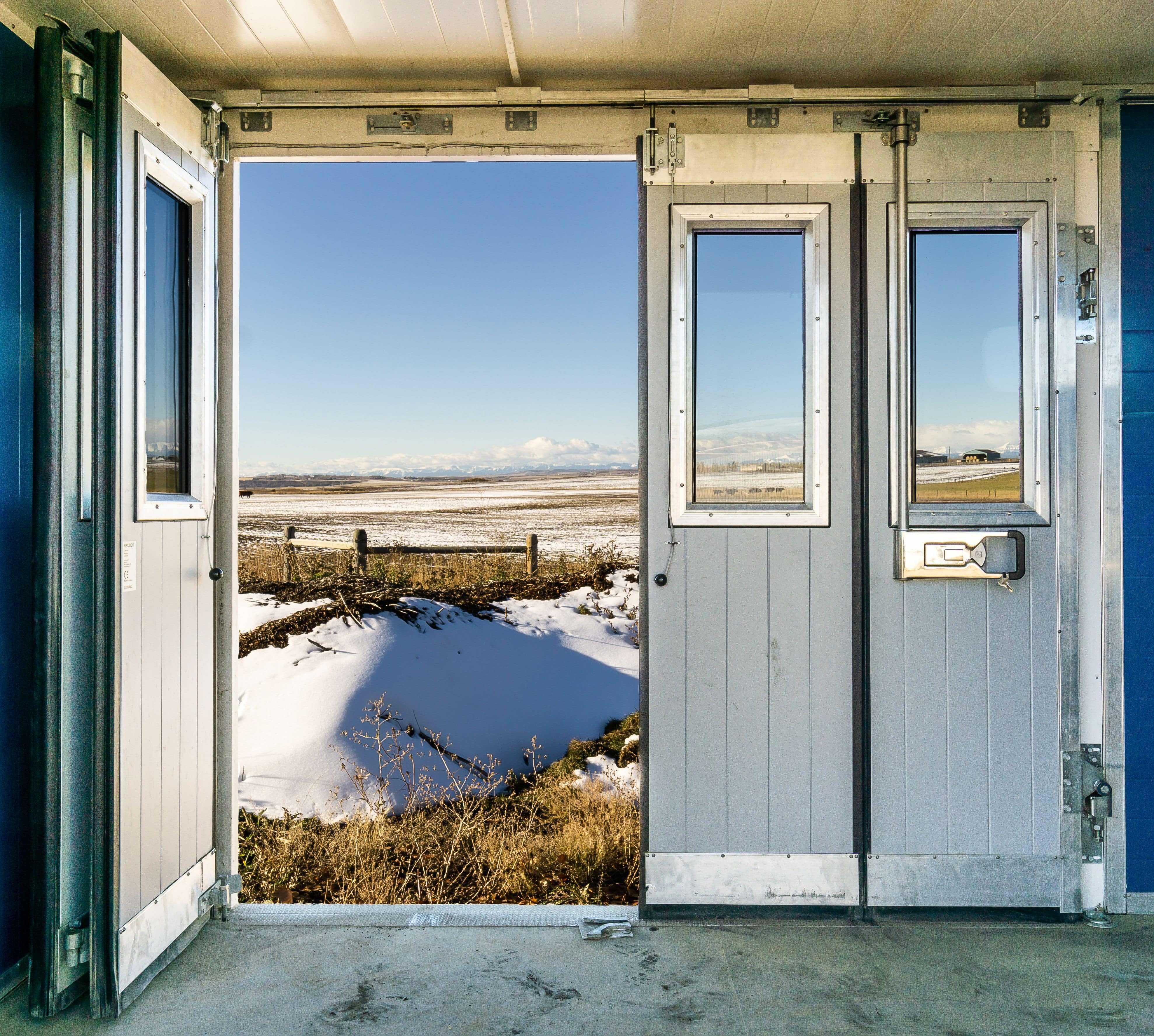 ranch-fin-door-min.jpeg?mtime=20210114084613#asset:21876
