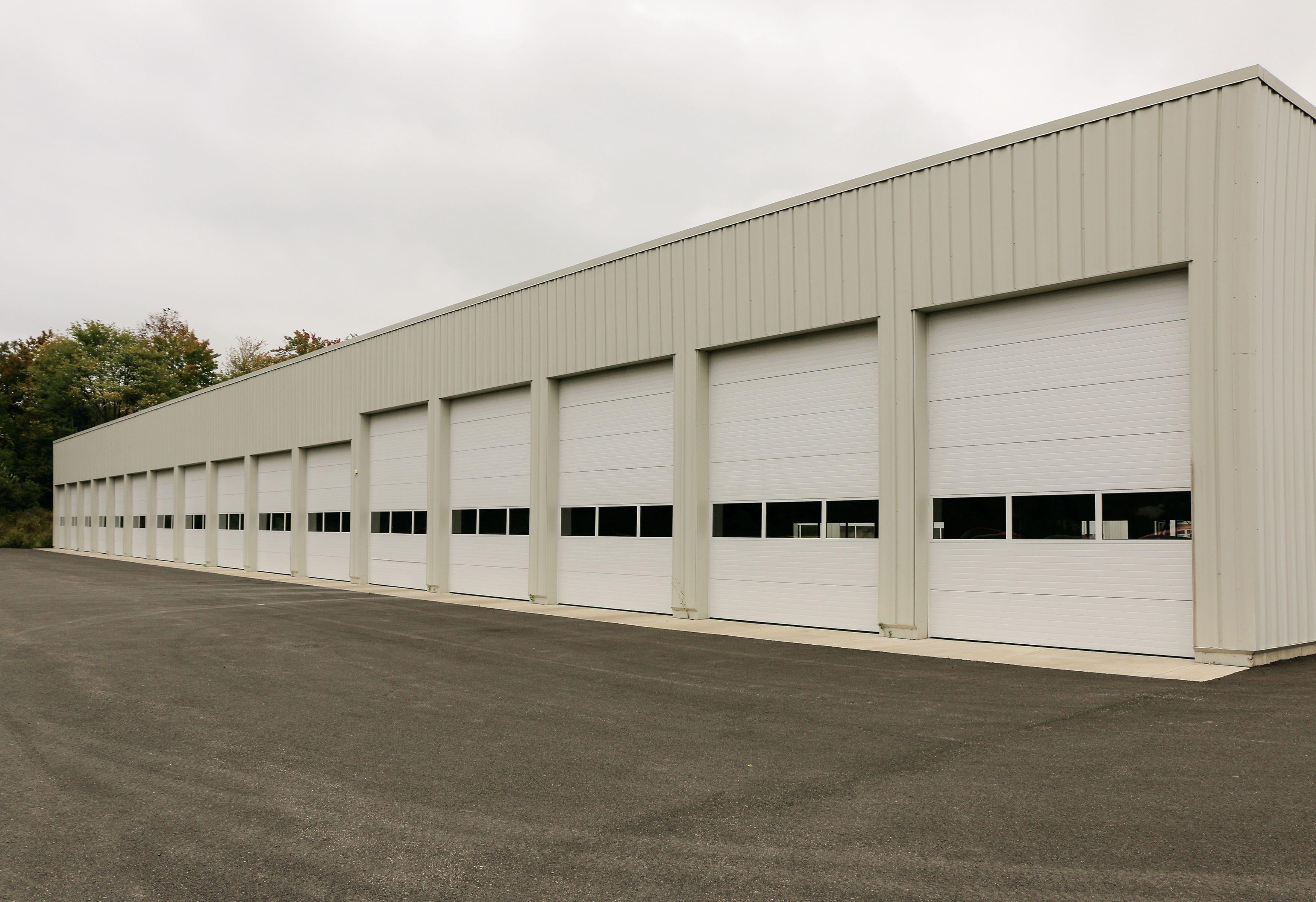 sectional-doors-warehouse-min.jpeg?mtime=20210419075337#asset:23370