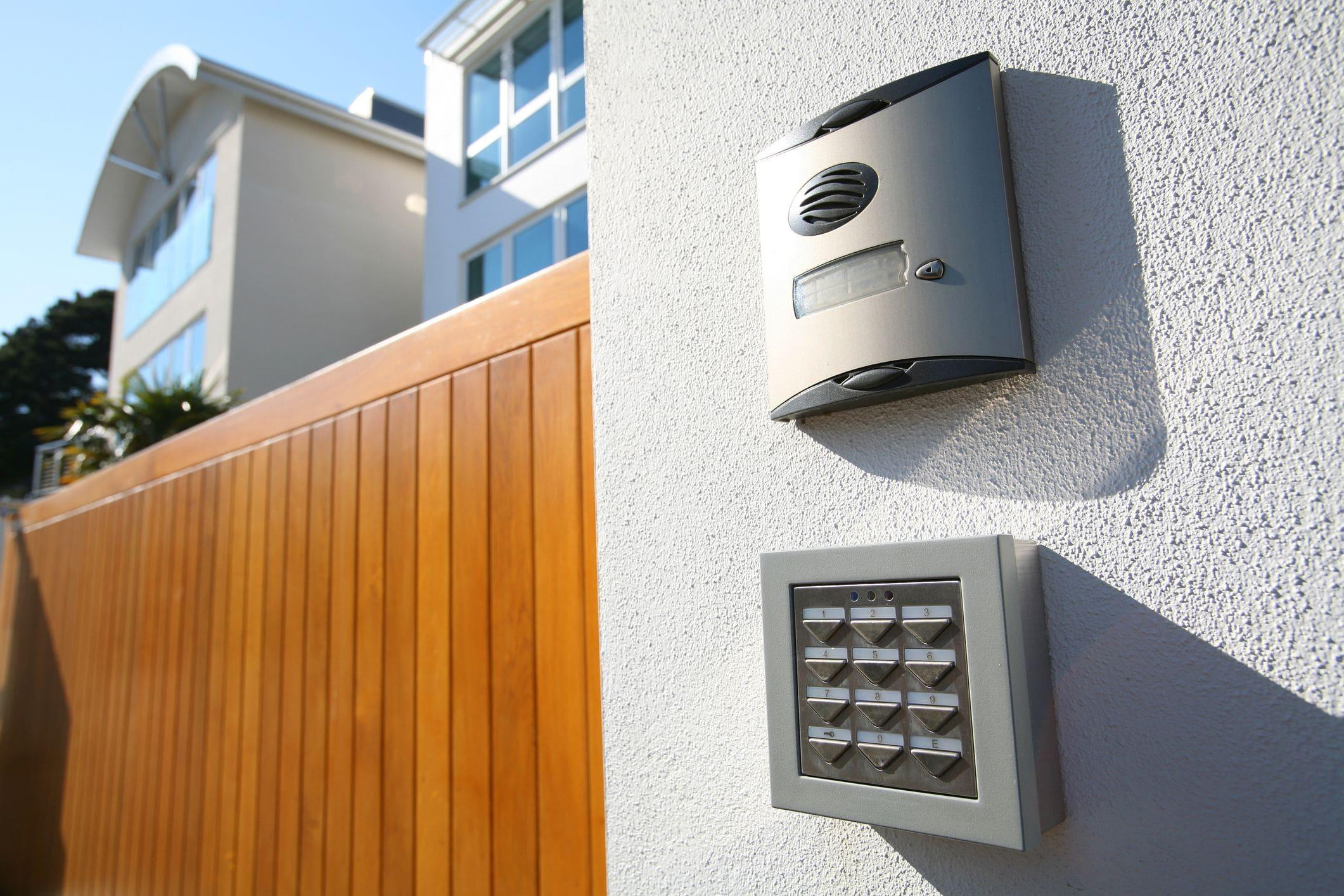 residential gate system with camera and keypad security