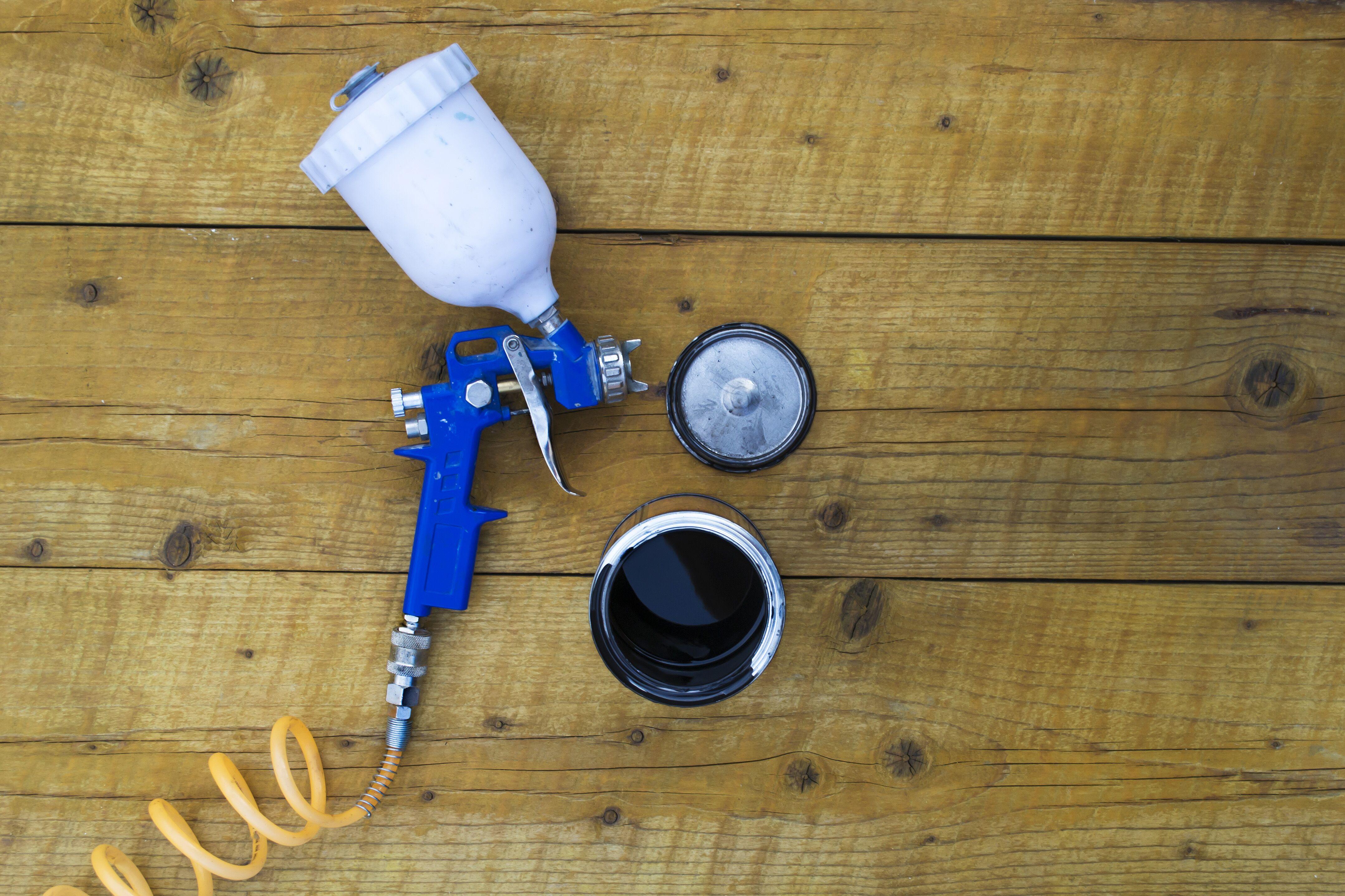 spray-painter-with-supplies.jpeg?mtime=20200220123438#asset:16533