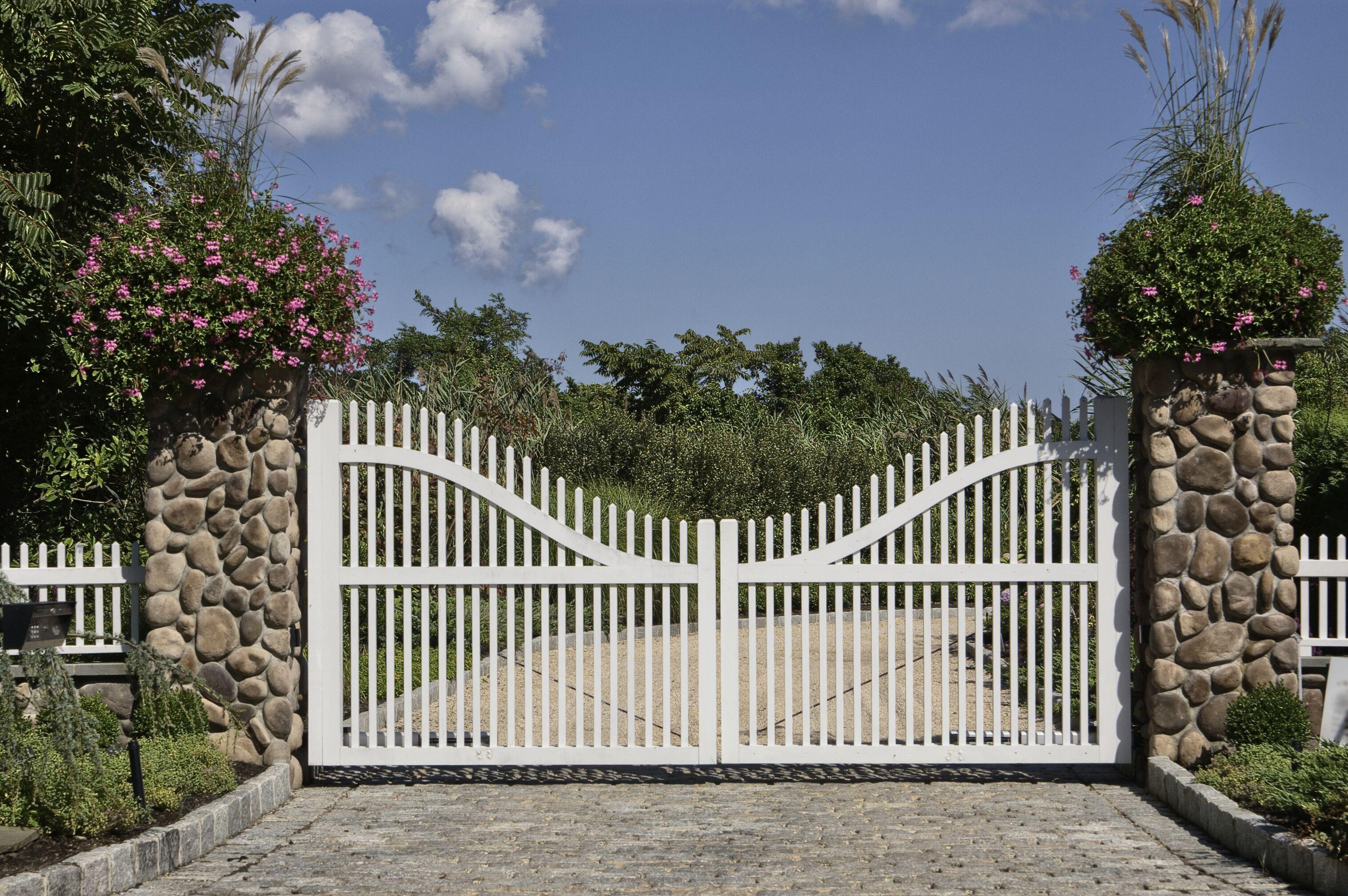 swing-gate.jpeg?mtime=20200416090828#asset:17079