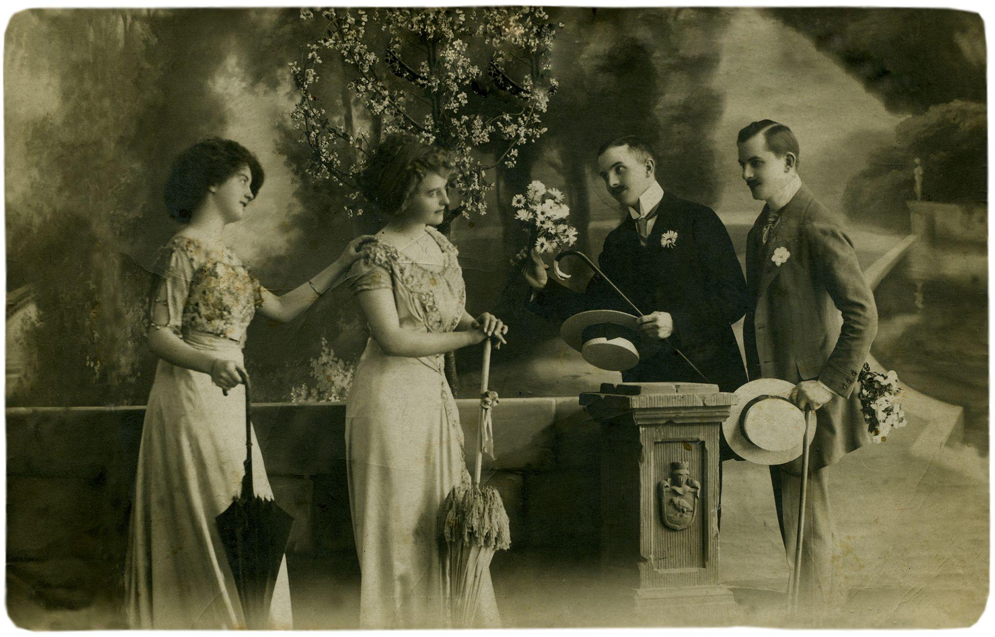 vintage photograph of Edwardian style group