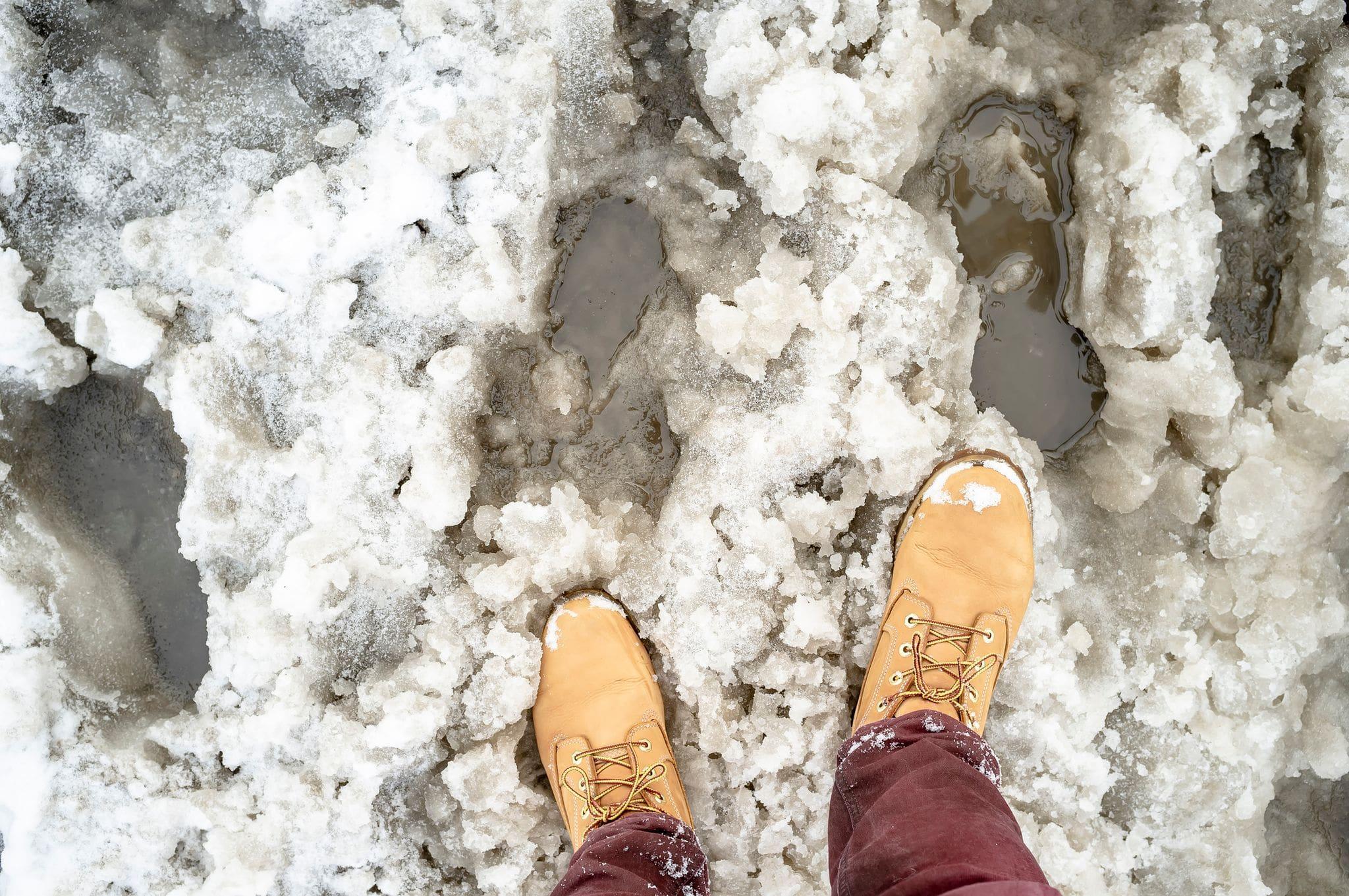 yellow-boots-in-slush-min.jpeg?mtime=20210107143750#asset:21778